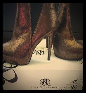 Rock & republic booties brand new size 7